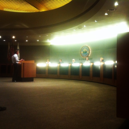 Griff addressing the city council